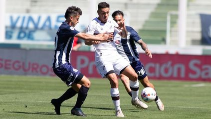 El exleproso Héctor Fértoli abrió el marcador apenas empezado el complemento.