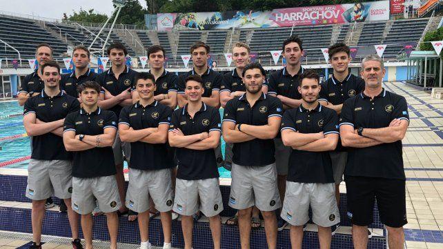 Waterpolo: los juniors viajaron y ya están listos para el Mundial