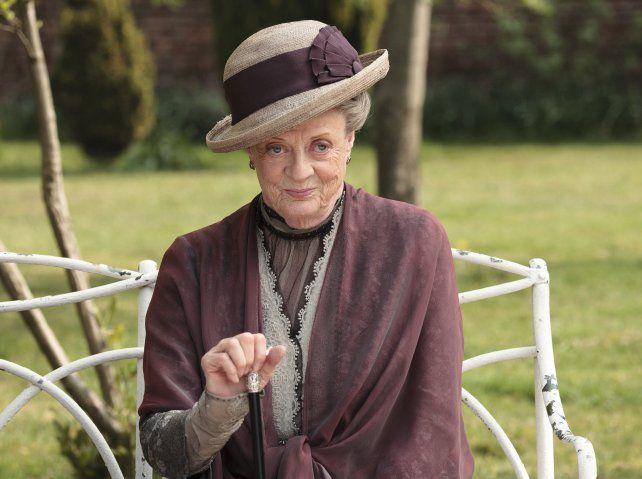 Maggie Smith como la matriarca de los Crowley.