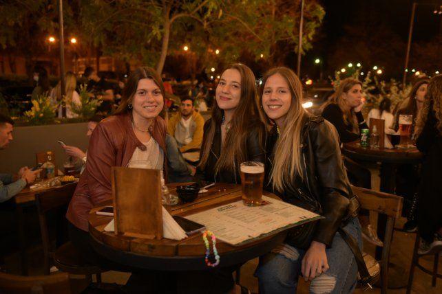 Paula Cardoni, Maria Emilia Berruhed y Camila Motta