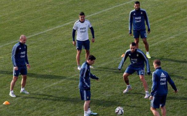 Garay entrenó junto a sus compañeros.