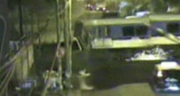 Una cámara registró que al momento del choque la barrera estaba levantada