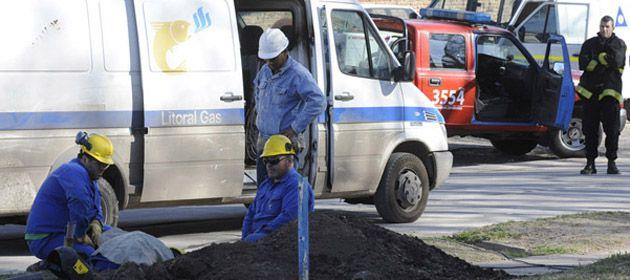 Una retroexcavadora rompió un caño y provocó una pérdida de gas en Baigorria