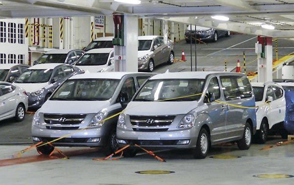 Puja. El gobierno pide autos más baratos y las empresas menos impuestos.