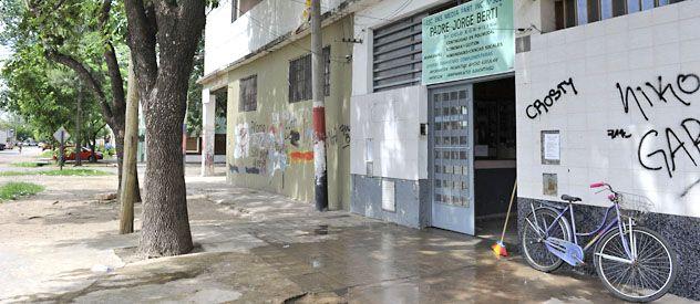 El escenario. La institución educativa está ubicada en Rouillón y Ocampo. Se espera mucha concurrencia.