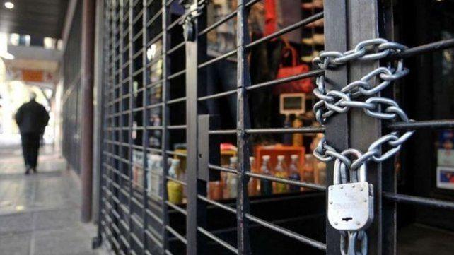La concejalí asegura que en el último semestre se registraron 8 mil locales más cerrados