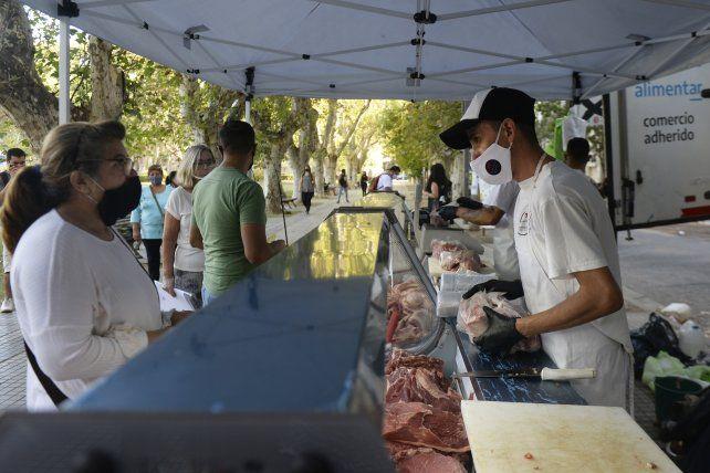 En marzo pasado estuvo en plaza San Martín la carnicería móvil del Ministerio de Desarrollo Social.