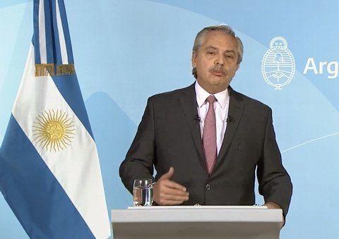 Alberto Fernández dijo que le indigna tener que dar explicaciones sobre una mentira.