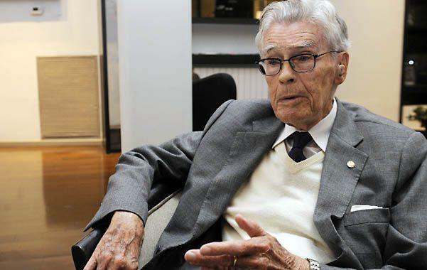Mario Bunge vino a Rosario para dar dos conferencias. Sigue firme en su lucha contra el pensamiento postmoderno.