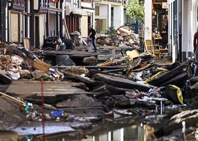 Las devastadoras inundaciones que sufrió Alemania en julio, con torrentes de agua, barro y piedras que arrasaron decenas de ciudades, son otro ejemplo de cómo el cambio climático afecta a las sociedades humanas.