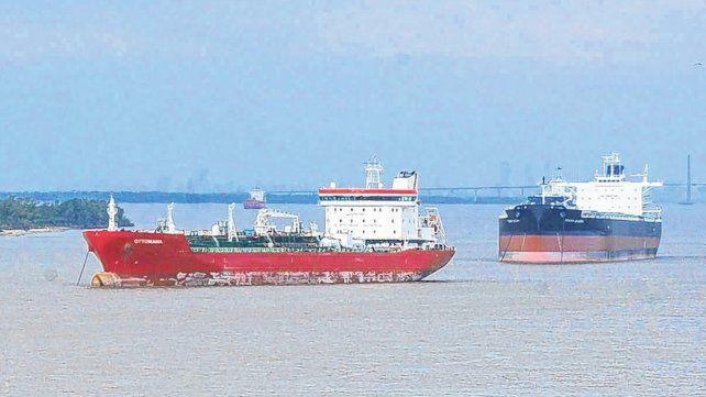 Vía navegable. La actual concesión del dragado y balizamiento del río Paraná finaliza en 2021.