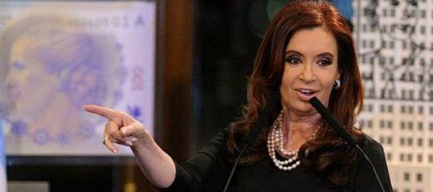 Cristina: El país pagará sus deudas con dólares porque para eso hay reservas