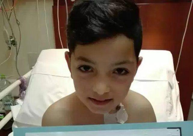 Alejo, el nene que le donó médula ósea a su papá con leucemia, dijo que lo va a sanar
