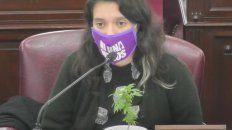 La diputada Agustina Donnet sorprendió cuando en plena sesión sacó una planta de marihuana para argumentar a favor del autocultivo con fines medicinales y terapéuticos.