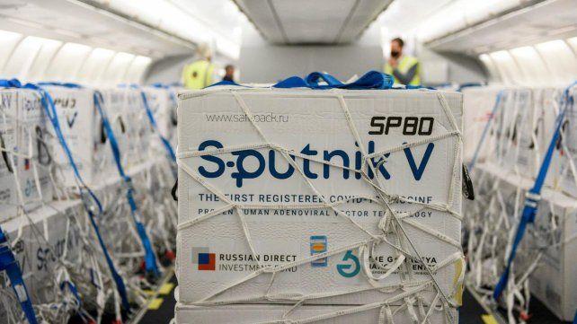 Llegó un nuevo vuelo de Aerolíneas Argentinas con 800 mil dosis de la vacuna Sputnik V