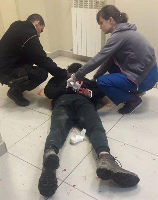 Irrumpió en una clínica y causó destrozos en la guardia con un hacha