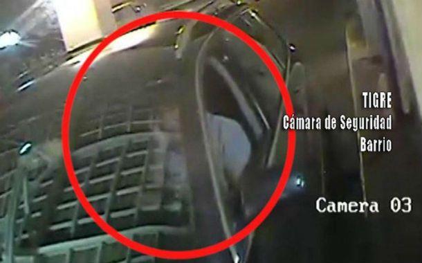 Ignacio pardo. El ex Los Fabulosos Cadillacs entra con su tarjeta en su Audi negro al country San Isidro Labrador.