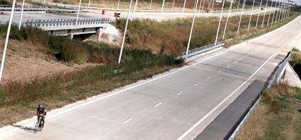 El tramo santafesino de la autopista está listo y se trabaja en los accesos