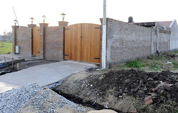 """En 2010 """"Guille"""" fue apresado en esta casa de Granadero Baigorria. En mayo lo fueron a buscar y no estaba."""