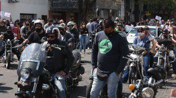 Días después del crimen allegados y familiares del Oso Cejas se manifestaron en reclamo de justicia.