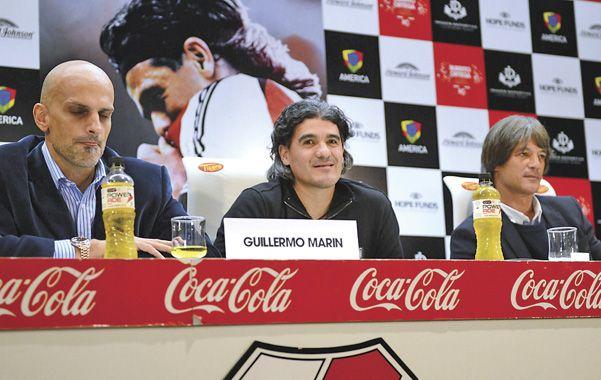En palabras. Ortega junto al empresario Marín en la presentación del partido.
