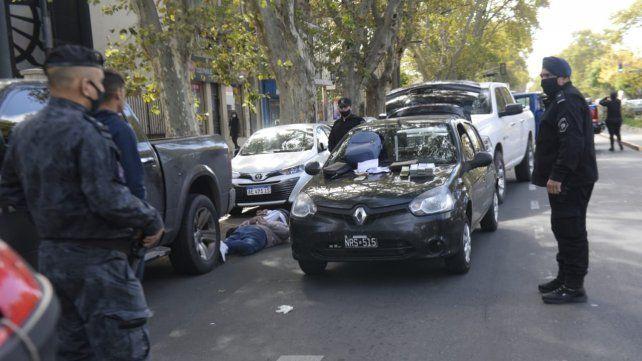 San Martín al 4400. Allí fueron atrapados los delincuentes tras una persecución policial.