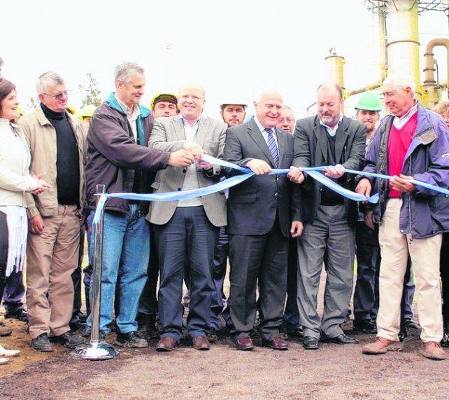 acto. Ayer se inauguró oficialmente la planta en el área industrial.