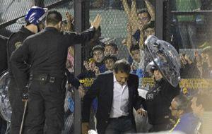 Miguel Angel Russo se va expulsado luego de protestarle al árbitro Darío Herrera. (Foto: S. Suárez Meccia)