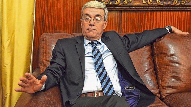 El ministro Walter Agosto suma otro contagio de coronavirus en el gabinete provincial
