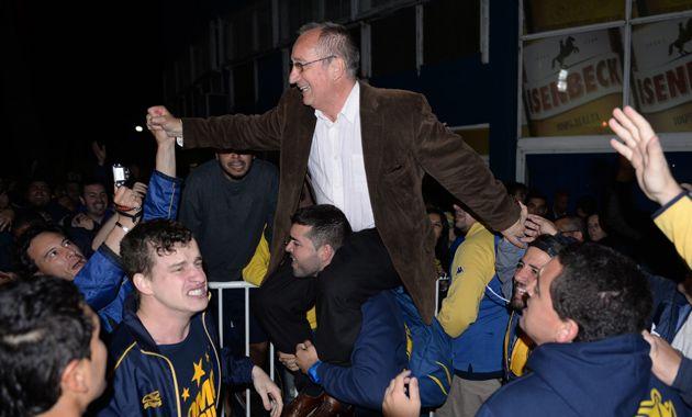 El nuevo presidente de Central rescató el apoyo de los más jóvenes quienes anoche manifestaron su emoción por el triunfo. (Foto: E. Rodríguez)