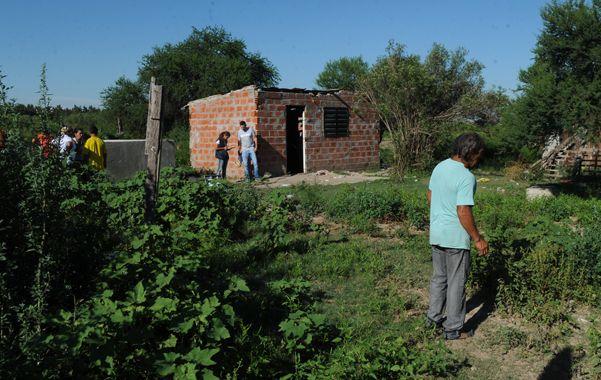 Humilde. Santiago vivía con su pareja en una casilla de una zona semirrural. Trabajaba con animales y hacía ladrillos.