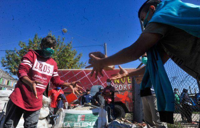 Colaboración. En el barrio Toba funcionan más de 42 grupos de jóvenes