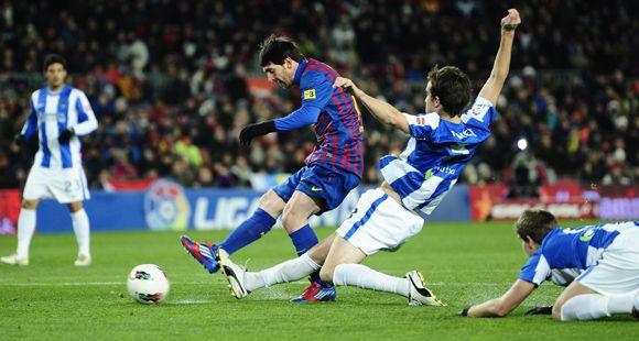 Un gol de Messi le dio el triunfo al Barsa que se mantiene a siete del puntero Real Madrid