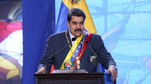 Nicolás Maduro presentó las goticas milagrosas que neutralizan al cien por cien al coronavirus