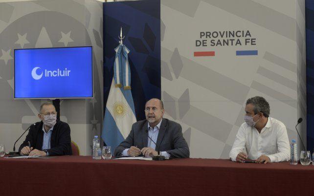 Firma de convenios en el marco del Plan Incluir entre el Gobernador Omar Perotti y el Intendente Pablo Javkin. El encuentro se llevo a cabo en la sede de la Gobernación.