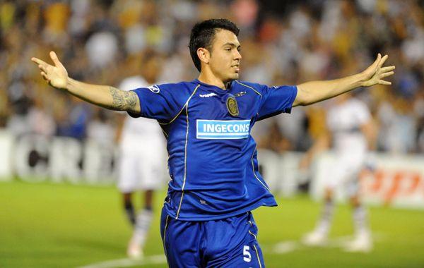 Central logró acordar la extensión del contrato con Nery Domínguez