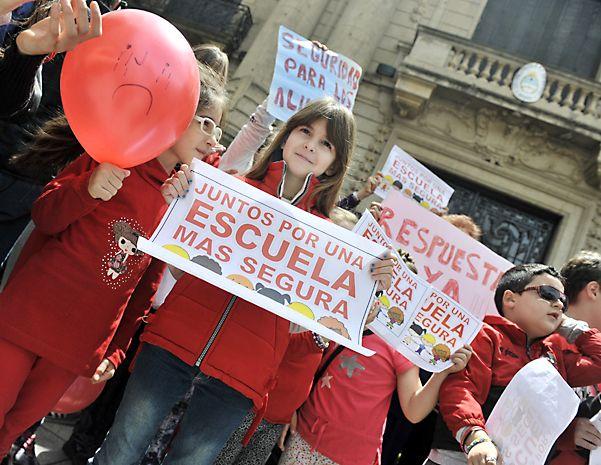 Protesta. Docentes y alumnos estuvieron movilizados toda la semana.