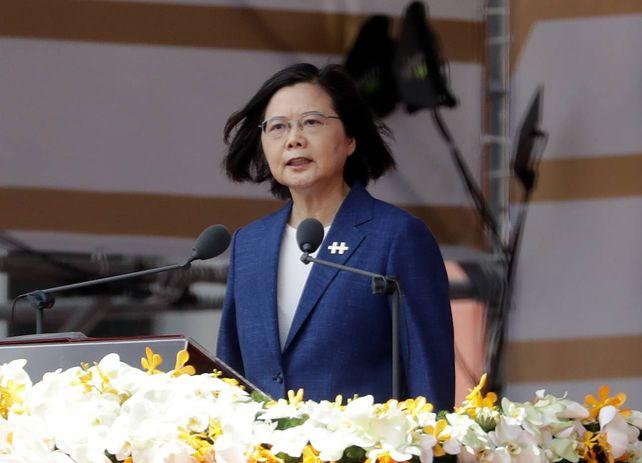 La presidenta Tsai Ing-wen prometió defender la libertad de su país ante las amenazas crecientes de China.