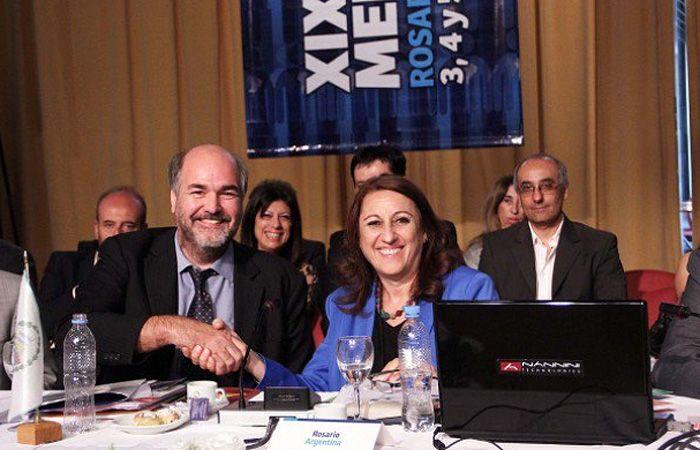La intendenta presidió la XX Cumbre de Mercociudades.