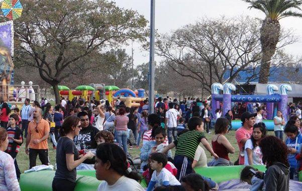 Miles de chicos de la ciudad y de la región junto a sus familias disfrutaron en forma totalmente gratuita de un espectacular parque mecánico.