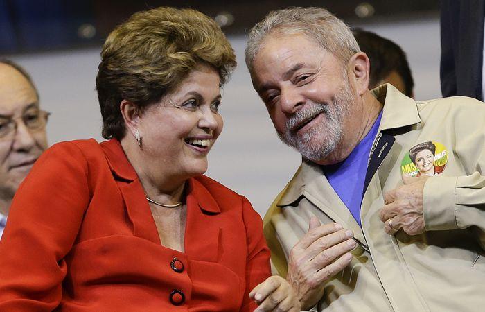 El expresidente Lula junto a Dilma. Fue detenido por estar involucrado en fraude por el caso Petrobras.