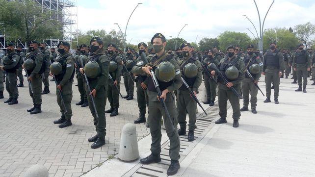 Las tropas de Gendarmería Nacional que reforzarán la seguridad en los barrios rosarinos.