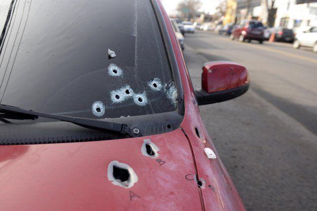 El auto en el que iba Gómez quedó repleto de balazos