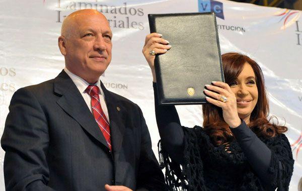 El gobernador aprovechó su discurso para reclamarle a la presidenta que agilice la instalación de la zona franca en Villa Constitución.