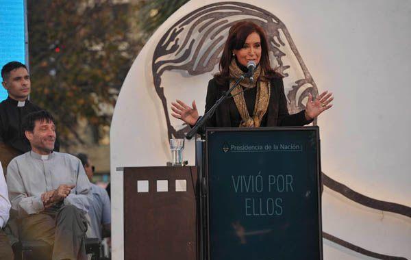 Cristina dijo que Mugica fue víctima de una Argentina violenta. (Foto: Télam)