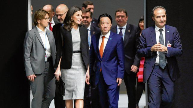 realeza. La reina Letizia a su llegada al evento.