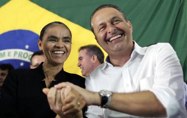 Conmoción. El carismático político socialista junto a su candidata a vicepresidente de Brasil