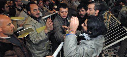 Suspendieron por incidentes el congreso del Partido Socialista