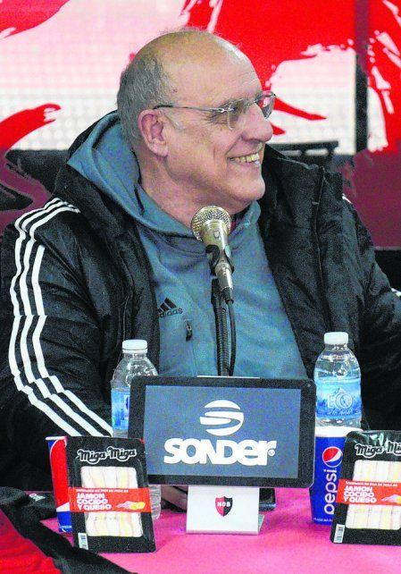 Eduardo Bermúdez. El presidente rojinegro aseguró que saldarán la deuda.