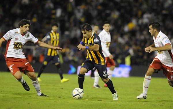 Franco Niell será el único punta en el equipo canalla que el miércoles jugará en Junín por la Copa Argentina.